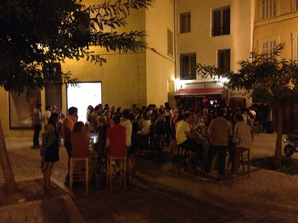 Bar vin le vieux tonneaux aix en provencecave for Ou bien manger a aix en provence